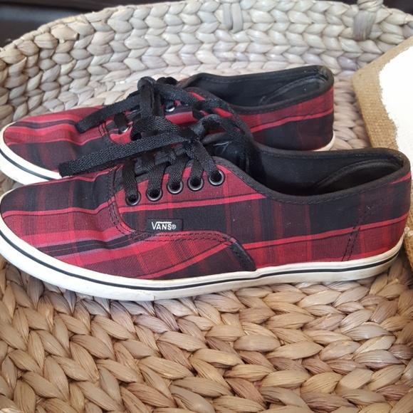 e5517421975fa4 VANS authentic plaid sneakers. M 5b7440b0fe5151010e906d9b
